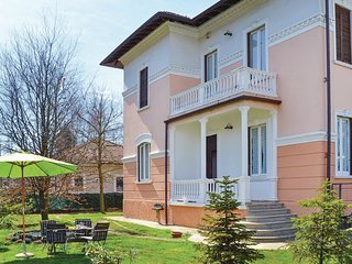 2 bedroom Villa in Castelletto sopra Ticino, Piedmont, Italy : ref 5523812