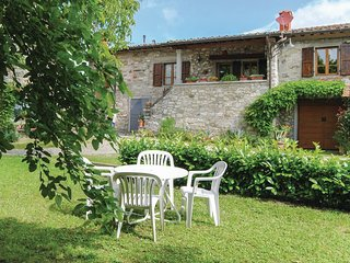 2 bedroom Apartment in Ponte a Poppi, Tuscany, Italy : ref 5540122