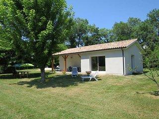 2 bedroom Villa in Civrac-en-Medoc, Nouvelle-Aquitaine, France : ref 5434834