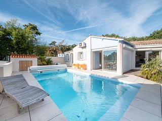 5 bedroom Villa in Saint-Palais-sur-Mer, Nouvelle-Aquitaine, France - 5687698