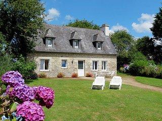 2 bedroom Villa in Sizun, Brittany, France : ref 5438401