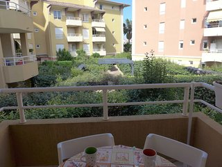 1 bedroom Apartment in Frejus, Provence-Alpes-Cote d'Azur, France : ref 5400239