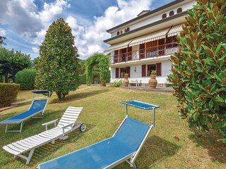 3 bedroom Villa in Colle di Compito, Tuscany, Italy : ref 5686605