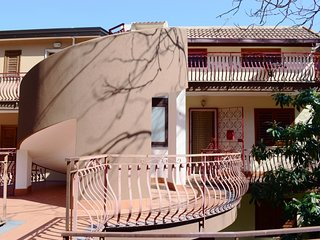 2 bedroom Villa with Walk to Beach & Shops - 5037221