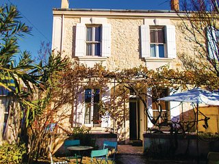 4 bedroom Villa in Avignon, Provence-Alpes-Côte d'Azur, France - 5552157
