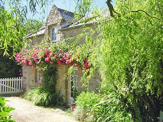 1 bedroom Villa in Lampaul-Ploudalmézeau, Brittany, France : ref 5438225