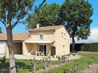 2 bedroom Villa in Grillon, Provence-Alpes-Cote d'Azur, France : ref 5443457