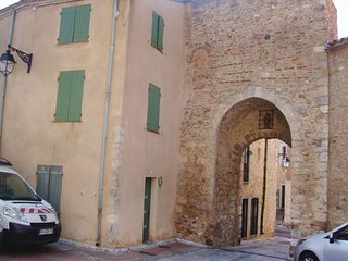 2 bedroom Apartment in Baixas, Occitania, France : ref 5539245