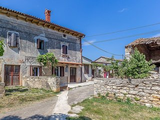 2 bedroom Apartment in Valtura, Istria, Croatia : ref 5561256