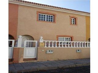 Tranquil 3 Bedroom Villa. Central Location Near Beach.