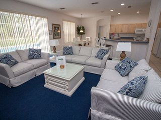 5 Bed Home with X-Large Pool Area