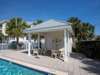Beautifully decorated home with shared pool and beach access