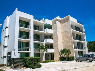 Walk to the ocean in 3min. 2 bed 2.5 bath, quiet gated community sits amongst