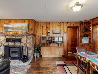 NEW LISTING! Dog-friendly cabin w/full kitchen, free WiFi, great location