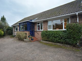 54297 Bungalow situated in Topsham