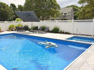 Upscale, Resort-like, Heated Pool/Spa, Sleeps 14: 002-H