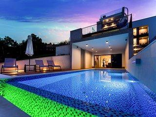 Villa High View – Modern sea view villa with pool near Opatija, Istria