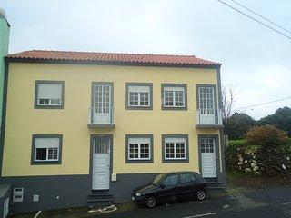 Big house with balcony & Wifi
