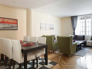 M (DDL2A)  Luxury apartment in city center