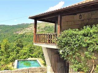 'Casa Acacio' (T4 com Piscina exterior)