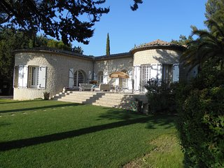 MAISON CASTELLET  SLEEPS 6 STUNNING SEA VIEWS WITH PRIVATE SWIMMING POOL