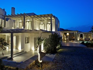 Dafni - Luux Villa with Private Pool and Sea view