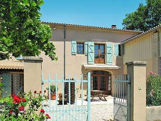 3 bedroom Villa in Grillon, Provence-Alpes-Côte d'Azur, France : ref 5443456