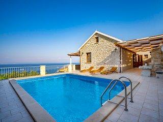 4 bedroom Villa in Prigradica, Croatia - 5054026