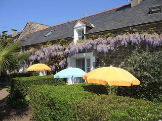2 bedroom Villa in Dinard, Brittany, France : ref 5439004