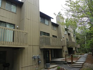 Pet Friendly Affordable Condo in Waterville Valley Family Friendly Resort!