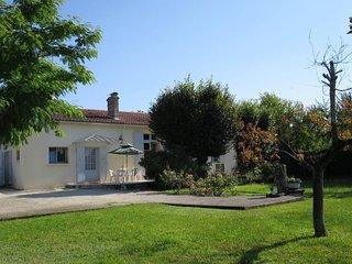 3 bedroom Villa in Castelnau-de-Médoc, Nouvelle-Aquitaine, France : ref 5434838