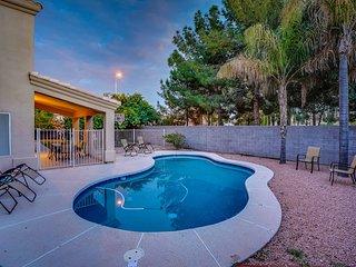 Elegant Chandler Retreat w/ Heated Pool + Fire Pit