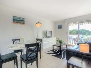 3 bedroom Apartment in Royan, Nouvelle-Aquitaine, France : ref 5039626