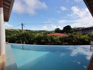 Villa Cap Macré : grande villa avec piscine et jacuzzi à Sainte-Anne