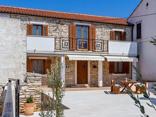 3 bedroom Villa in Fondole, Istria, Croatia : ref 5688516