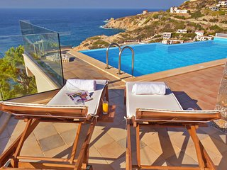 Villa Ligaria-Infinity heated pool-sea view-stone luxury villa