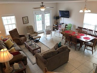 Summer's Den - Affordable Accommodations for your Vacation