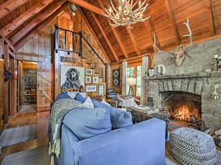 NEW! 'Das GrunHaus' - Unique Lake Arrowhead Cabin!