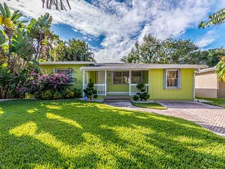 NEW! Chic Fort Lauderdale Home w/Patio by Las Olas