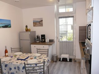 1 bedroom Apartment in Courtoisville, Brittany, France : ref 5560256
