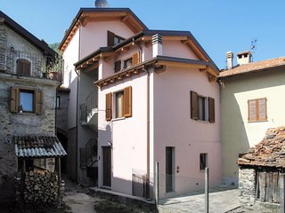 3 bedroom Villa in Consiglio di Rumo, Lombardy, Italy - 5655861