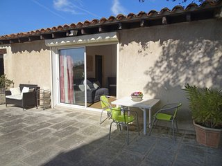 1 bedroom Villa in Cabrieres-d'Avignon, Provence-Alpes-Cote d'Azur, France : ref