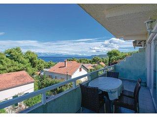 2 bedroom Apartment in Jelsa, Splitsko-Dalmatinska Županija, Croatia : ref 55464