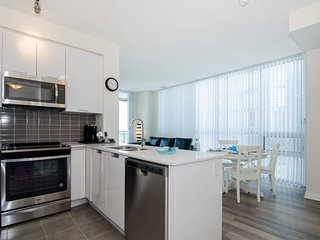 A Luxurious Two Bedroom Apartment in Mississauga