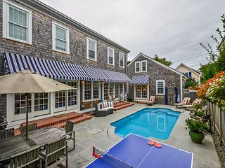 LUXURY & ELEGANCE IN THE HEART OF DOWNTOWN EDGARTOWN WITH POOL