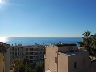 Vue mer proche plages et frontiere italienne