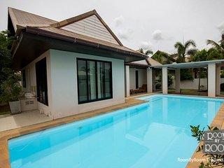 Villas for rent in Hua Hin: V6478