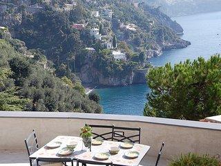 Positano Villa Sleeps 4 with Air Con and WiFi - 5228547