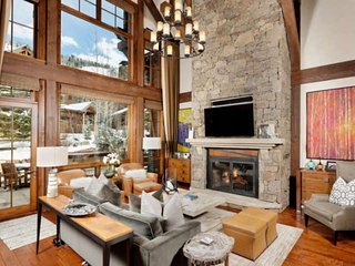 Stunning Aspen Highlands Ski Home.  Gourmet Kitchen, Bunk Room, Private Hot Tub,