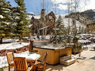 Luxury Aspen Highlands Ski-In Home. Private Hot Tub, Ritz Carlton Pool Privilege